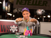 Phil Ivey: il re del poker si converte al commercio di marijuana